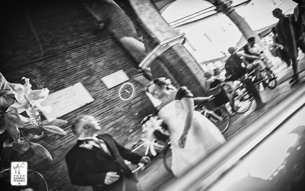 41 riflesso sposi auto fotografo matrimonio ferrara Matrimonio Manuela e Andrea from London to Italy