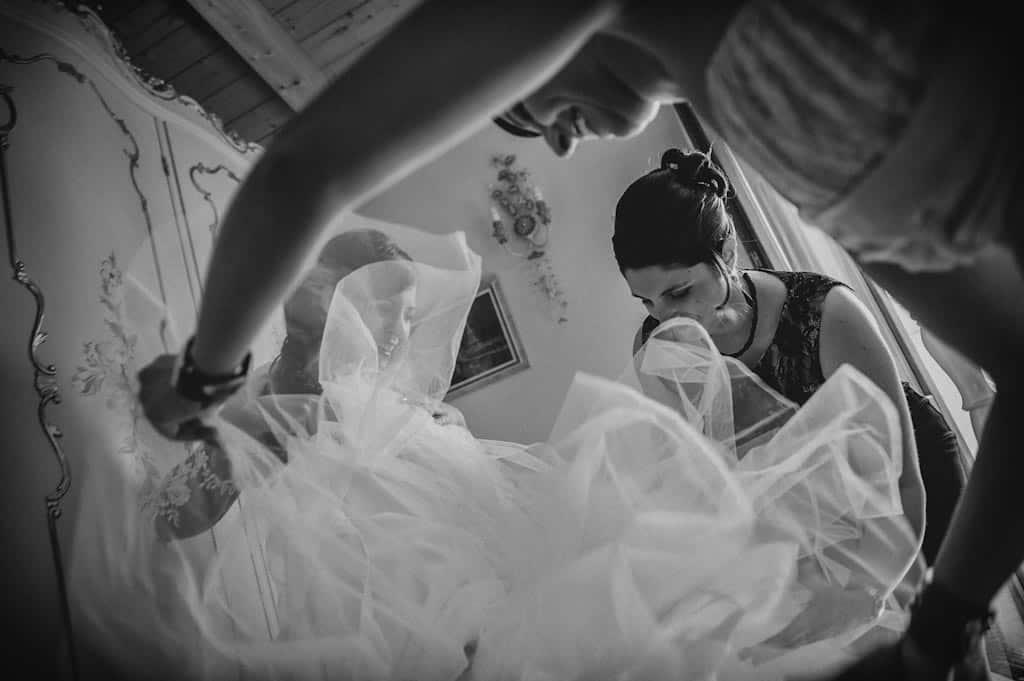 07 preparativi sposa abito vestito Lara + Mattia | Matrimonio Padova   Rovigo
