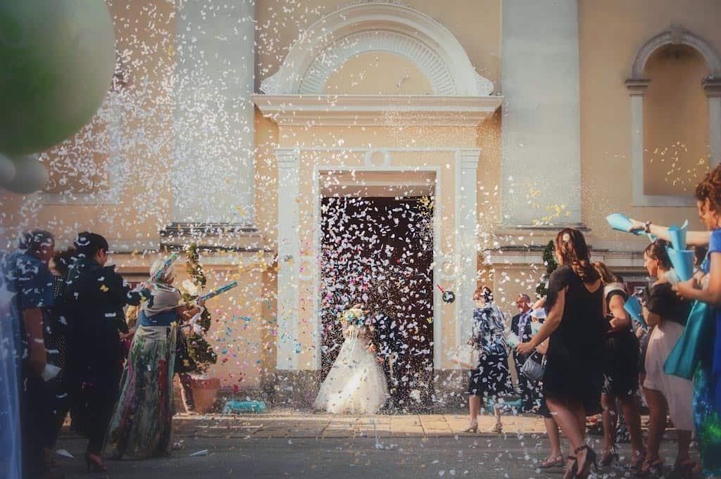 14 lancio riso servizio fotografico Lara + Mattia | Matrimonio Padova   Rovigo