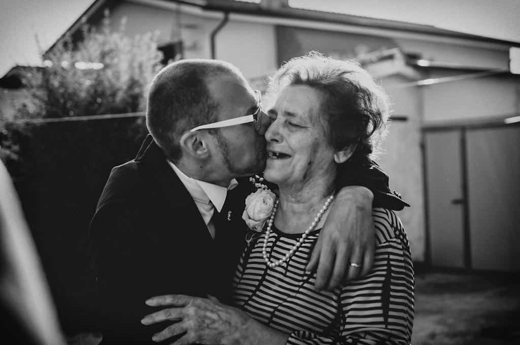 17 nonna sposo abbraccio padova Lara + Mattia | Matrimonio Padova   Rovigo