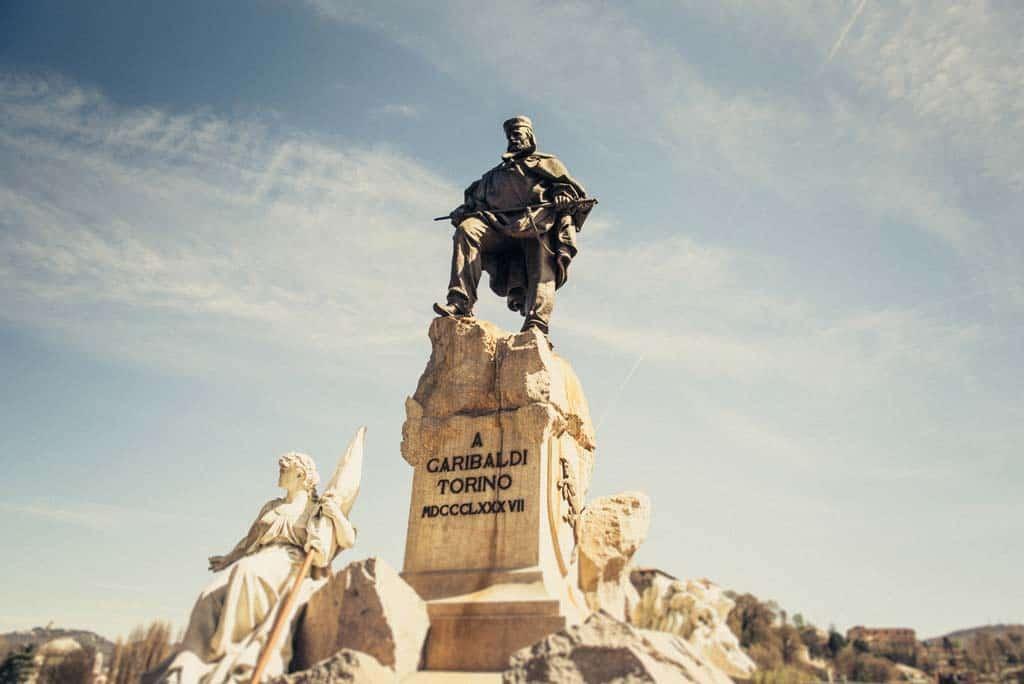 07 monumento garibaldi torino Alessandra e Michel: fidanzati a torino
