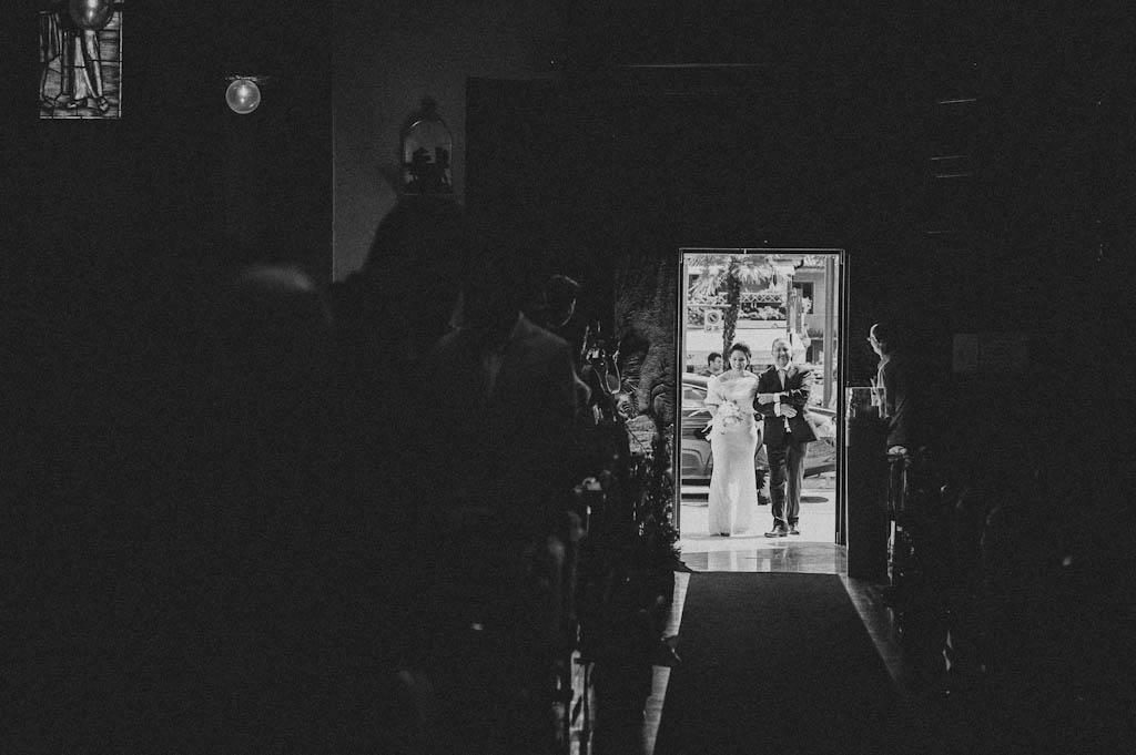 18 matrimonio entrata chiesa Simona + Francesco | Matrimonio Lago di Garda