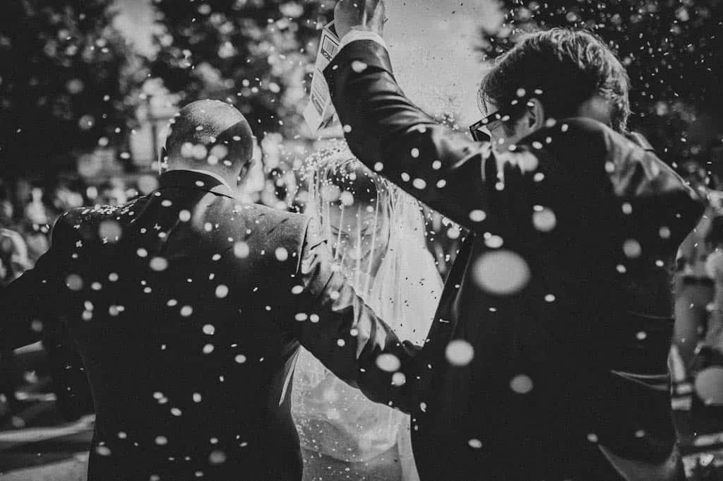 28 lancio del riso cerimonia religiosa Simona + Francesco | Matrimonio Lago di Garda