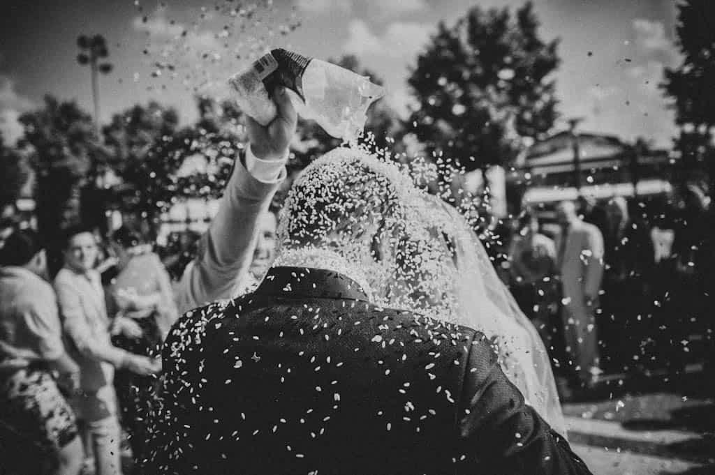 29 lancio del riso matrimonio Simona + Francesco | Matrimonio Lago di Garda
