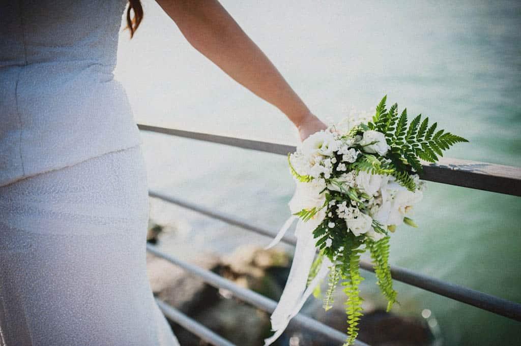 36 matrimonio bouquet sposa Simona + Francesco | Matrimonio Lago di Garda