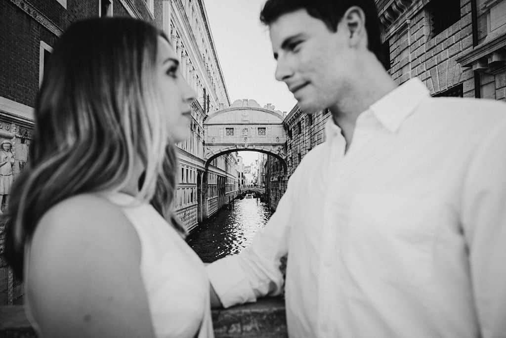 33 engagement in venice photo shooting