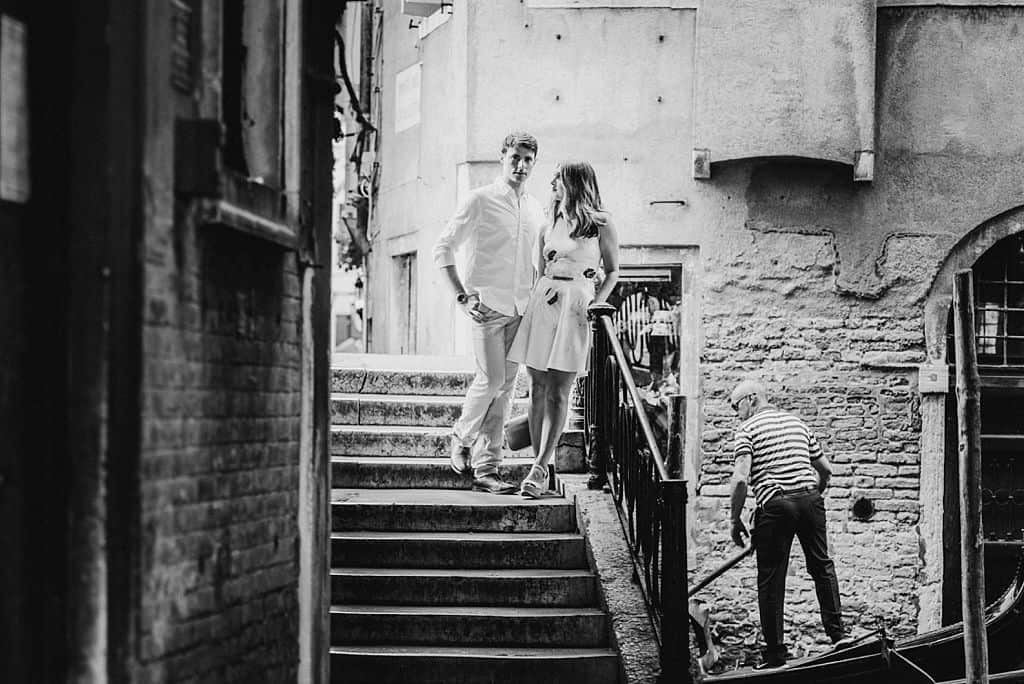 34 engagement in venice photo shooting