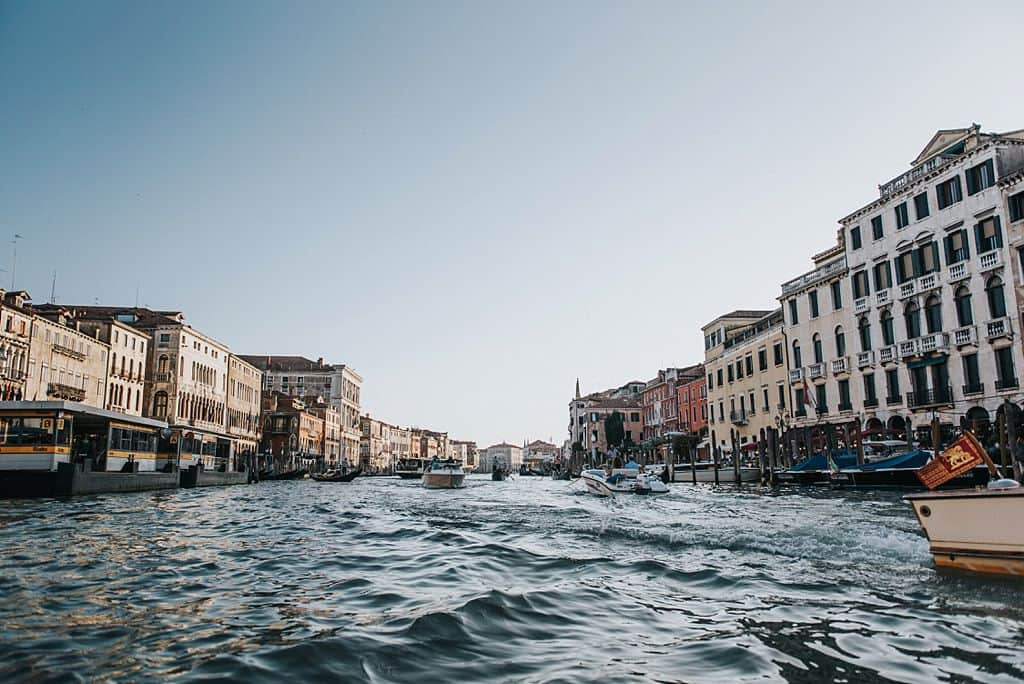 36 engagement in venice photo shooting