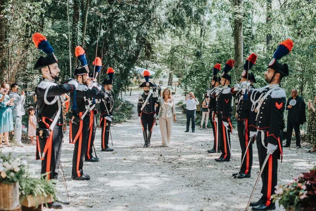 091 matrimonio carabinieri Perchè un carabiniere si sposa in divisa? Matrimonio a Frassanelle