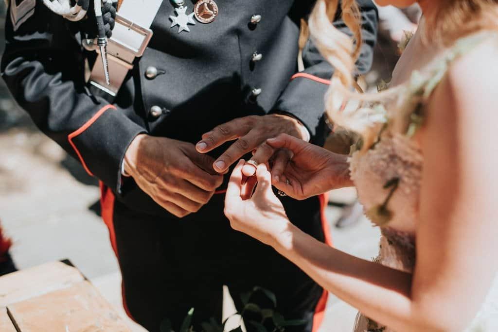 096 matrimonio carabinieri Perchè un carabiniere si sposa in divisa? Matrimonio a Frassanelle
